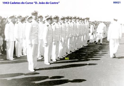 00004 943 cadetes do curso D João de Castro em formatura
