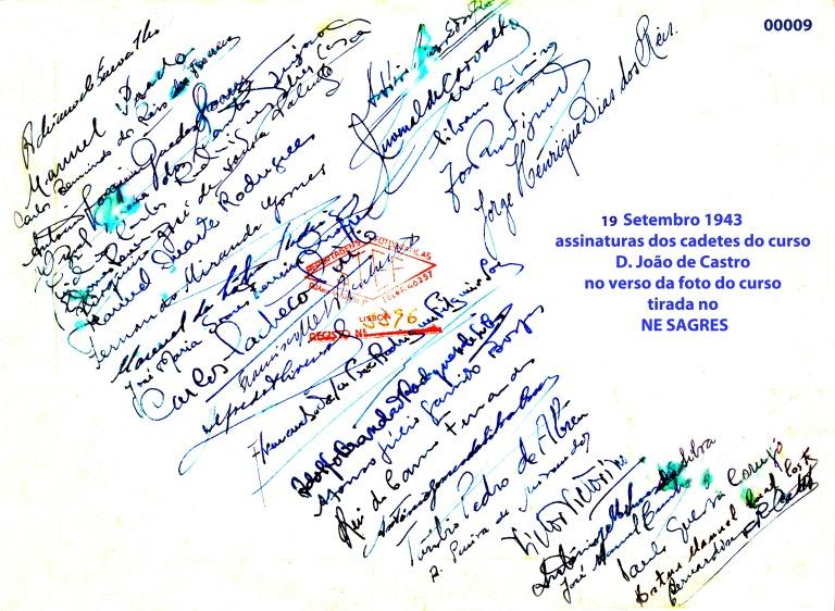 00013 943-09-19 assinaturas dos cadetes do curso no verso da foto da Sagres