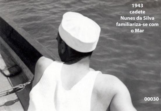 00033 943 cadete Nunes da Silva familiariza-se com o mar