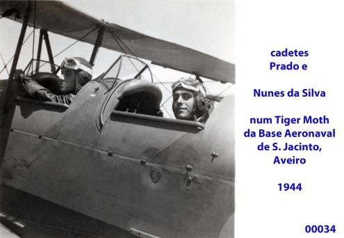 00038 cadetes Prado e Nunes da Silva num Tiger da Escola de Aviação Naval