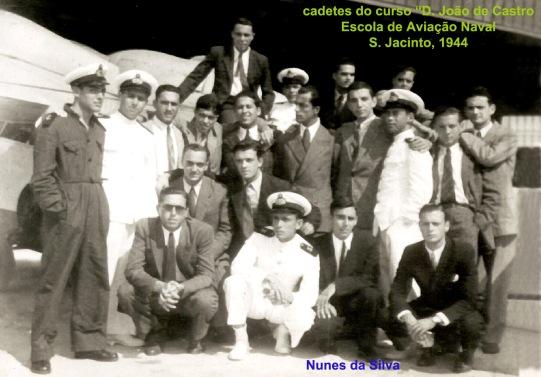 00040a 944-08 cadetes estagiando na Escola de Aviação Naval-2 - Cópia