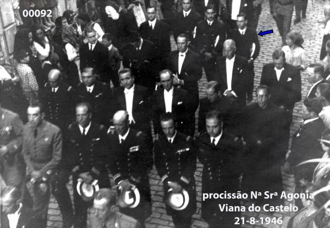 00106 946-08-21 participando procissão Nª Srª Agonia-Viana do Castelo