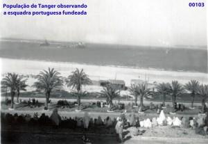 00137 947-04 população de Tanger observa a esquadra portuguesa