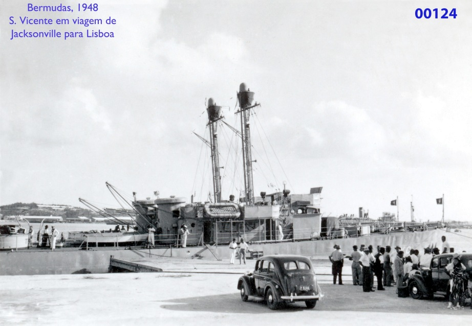 00162 948 nas Bermudas-patrulhas atracados