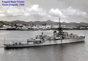 00188 950 Fragata Nuno Tristão fundeada em Ponta Delgada