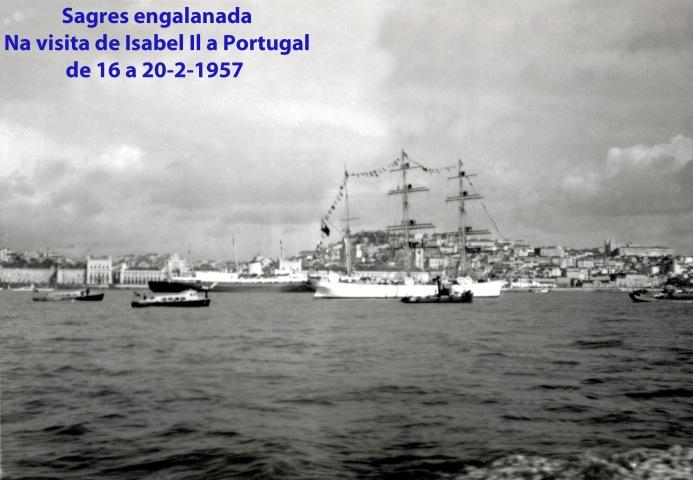 00304 957-02 Sagres ao largo do Terreiro do Paço na visita da raínha Isabel II a Portugal de 16 a 20 Fev