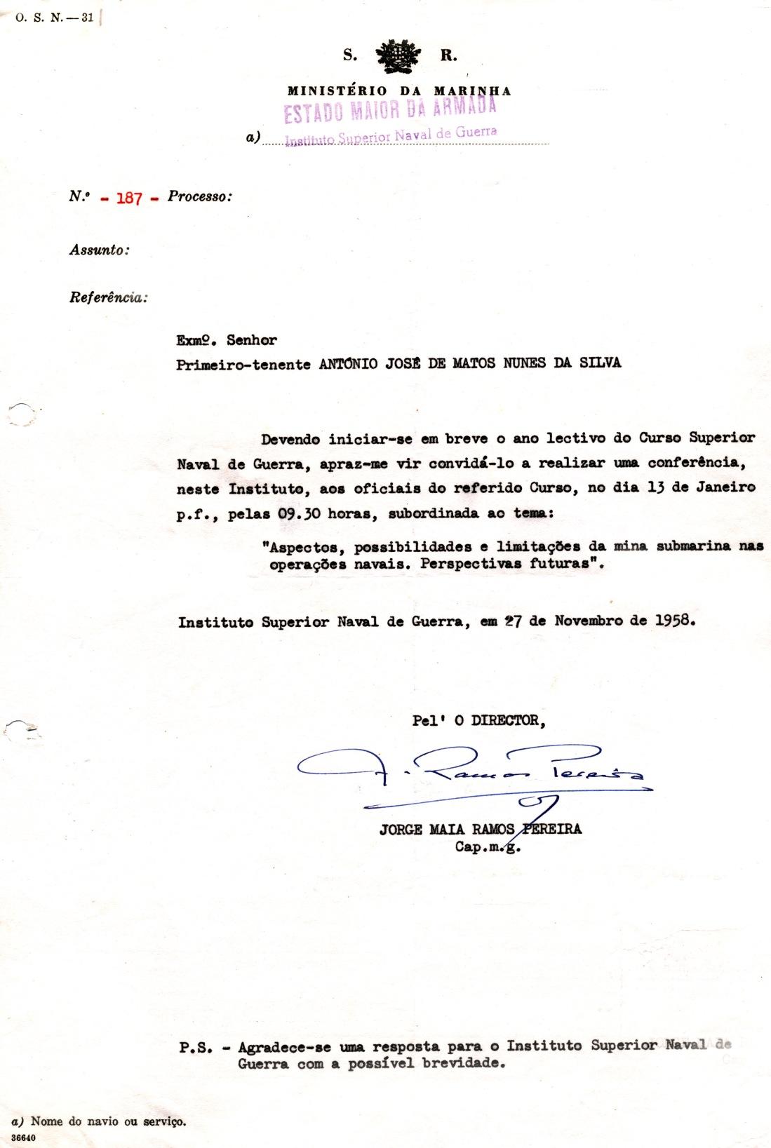 00383 959-01-13 Fiz conferência sobre minas ao Curso Superior Naval de Guerra por convite do Director do Instituto