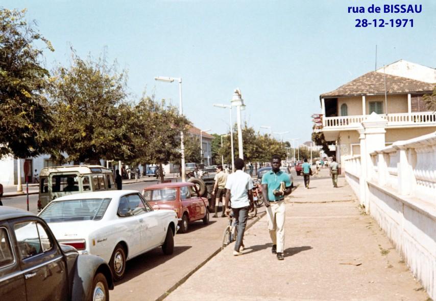 00596 971-12-28 rua de Bissau