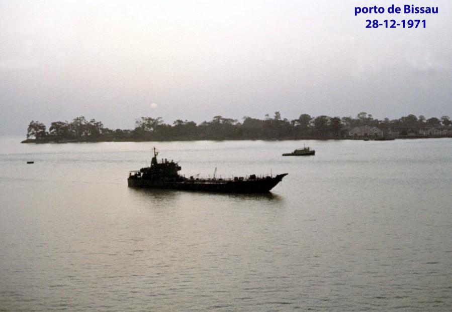 00597 971-12-28 porto de Bissau
