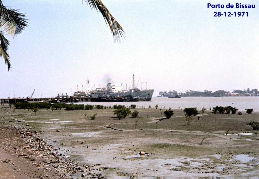 00599 971-12-28 Porto de Bissau