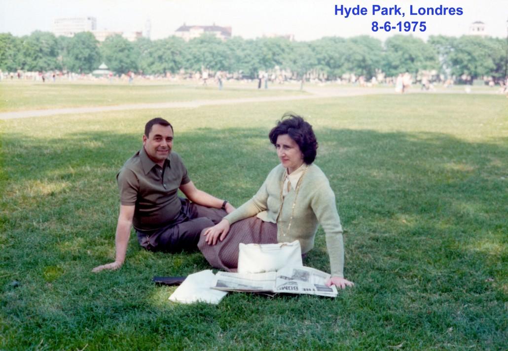 00681 975-06-08 descansando no Hyde Park Londres
