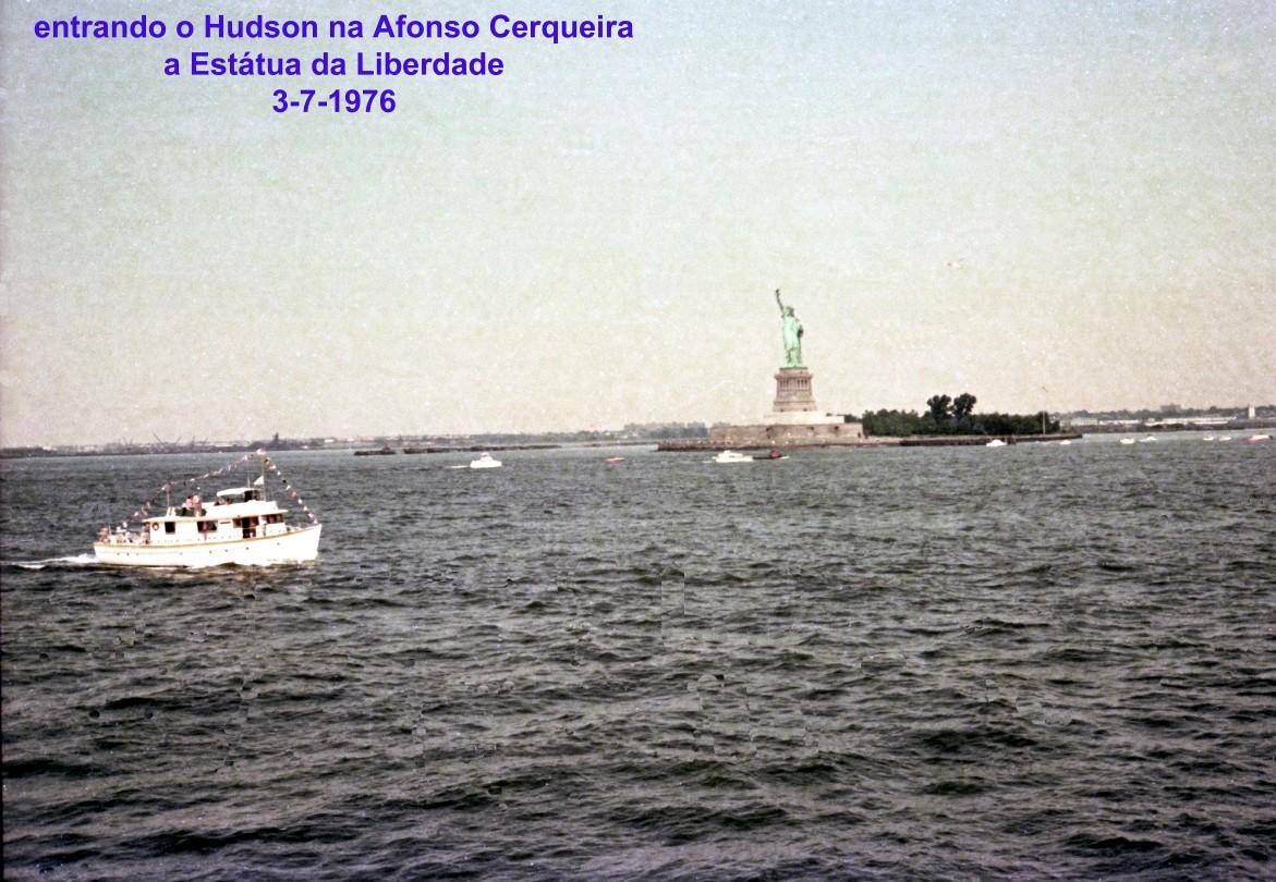 00716 976-07-03 entrando o Hudson Estátua da Liberdade