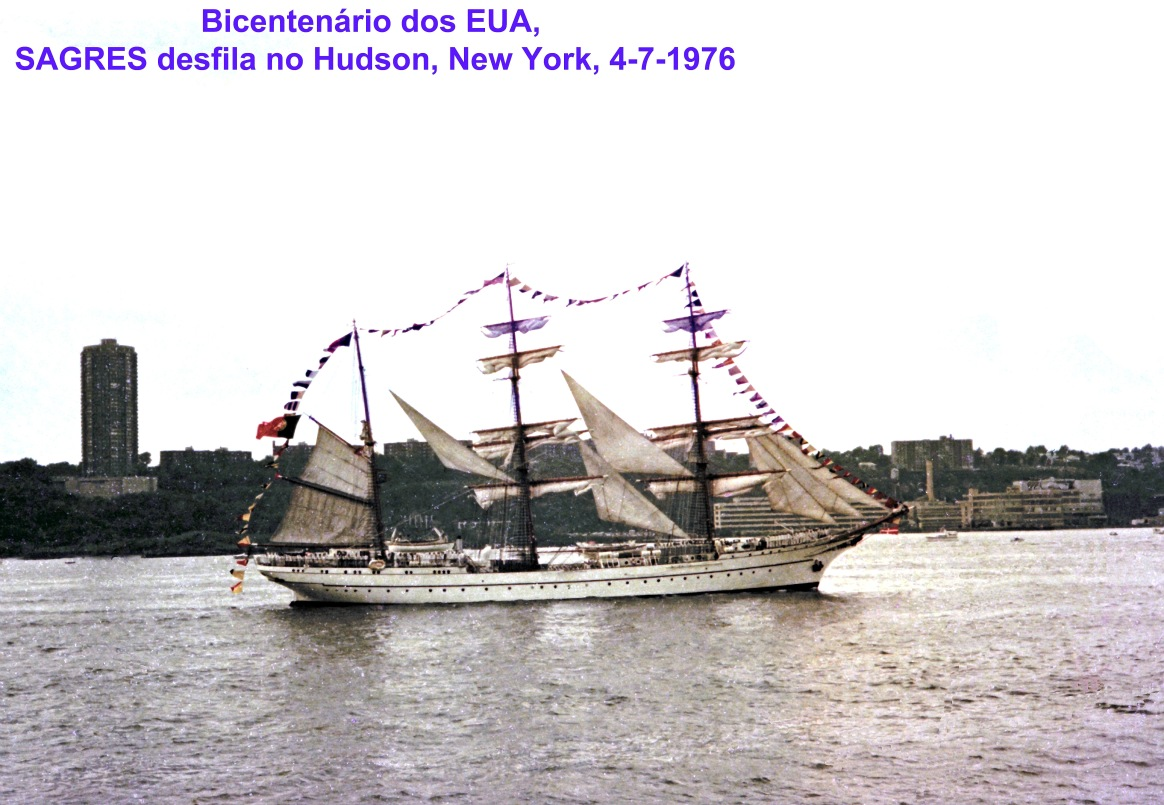 00722 976-07-04 Sagres desfilando no Hudson New York no Bicentenário dos EUA