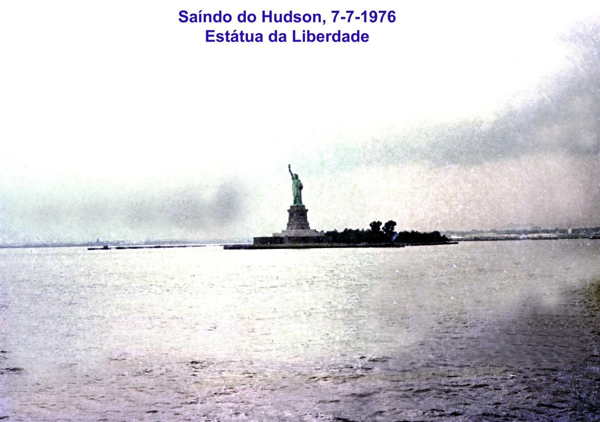 00730 976-07-07 saíndo de New York - a Estátua da Liberdade
