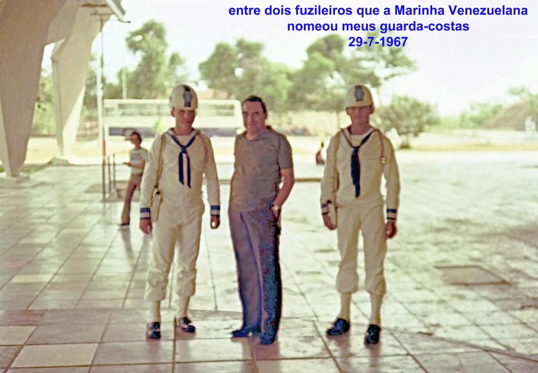 00758 976-07-29 entre dois fuzileiros que a Marinha Venezuelana nomeou meus guarda-costas