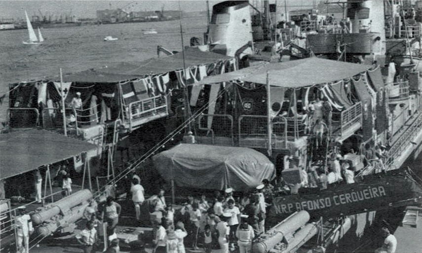 00768 Notícia da participação do Grupo de corvetas nas comemorações do Bi Centenário dos EUA -Revista da Armada