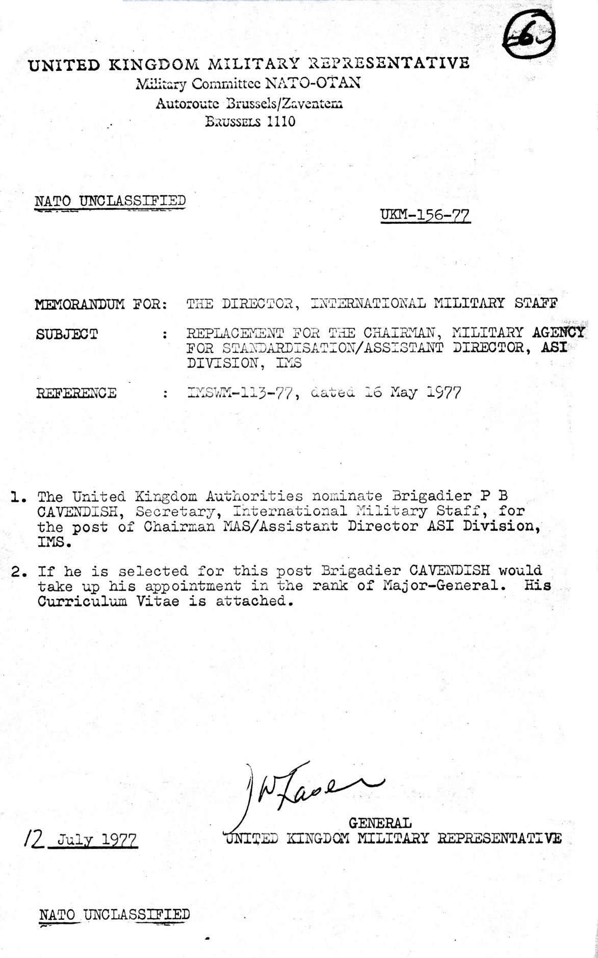 00828 977-07-12 Cargo na NATO MOD UK comunica candidatura e currículo Brigadier P B Cavendish aos cargos NATO -pg 1