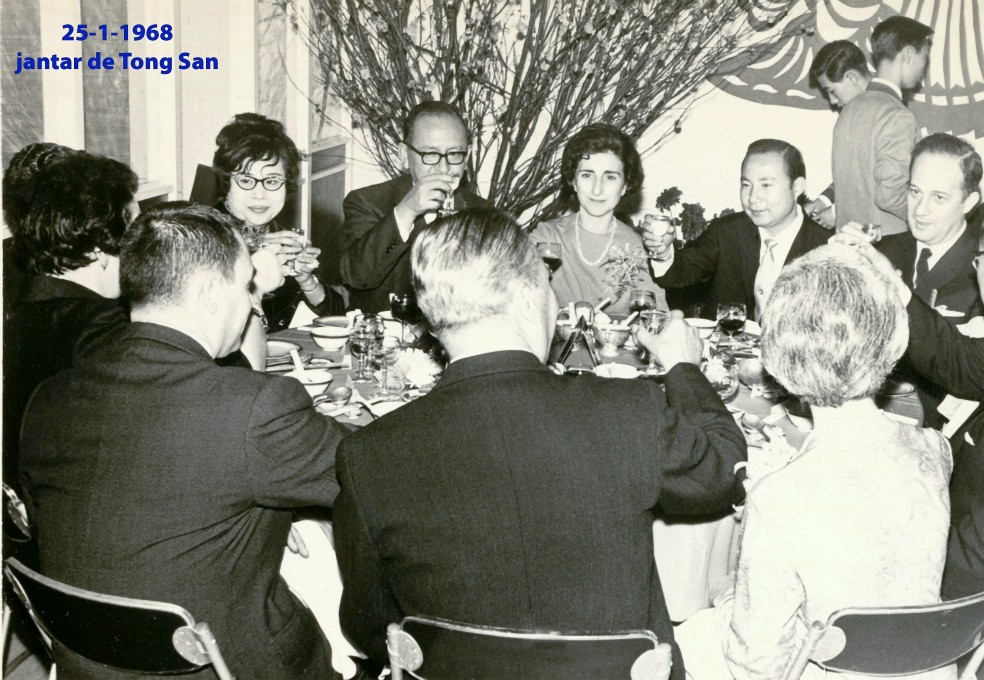 007 68-01-25 Jantar de Tong San
