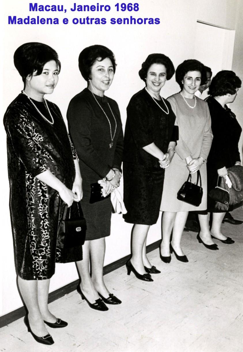 026 68-01 Madalena e outras senhoras