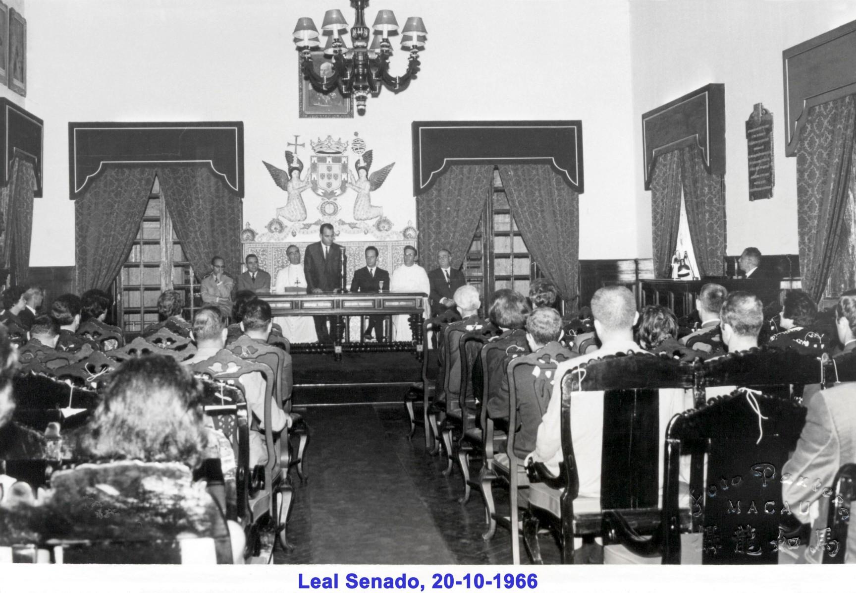 041 66-10-20 Sessão no Leal Senado