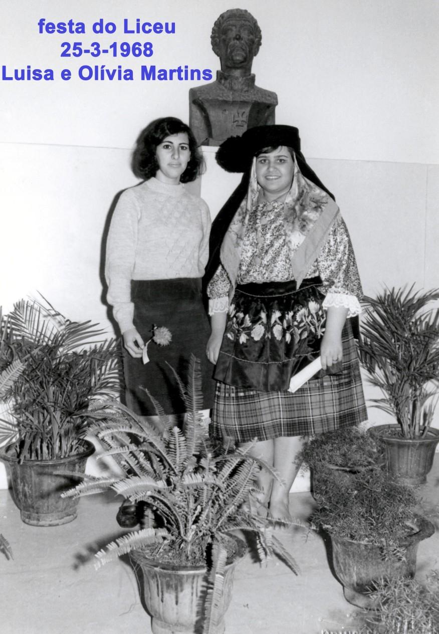 044 68-03-25 festa do liceu-Luisa e Olívia Martins