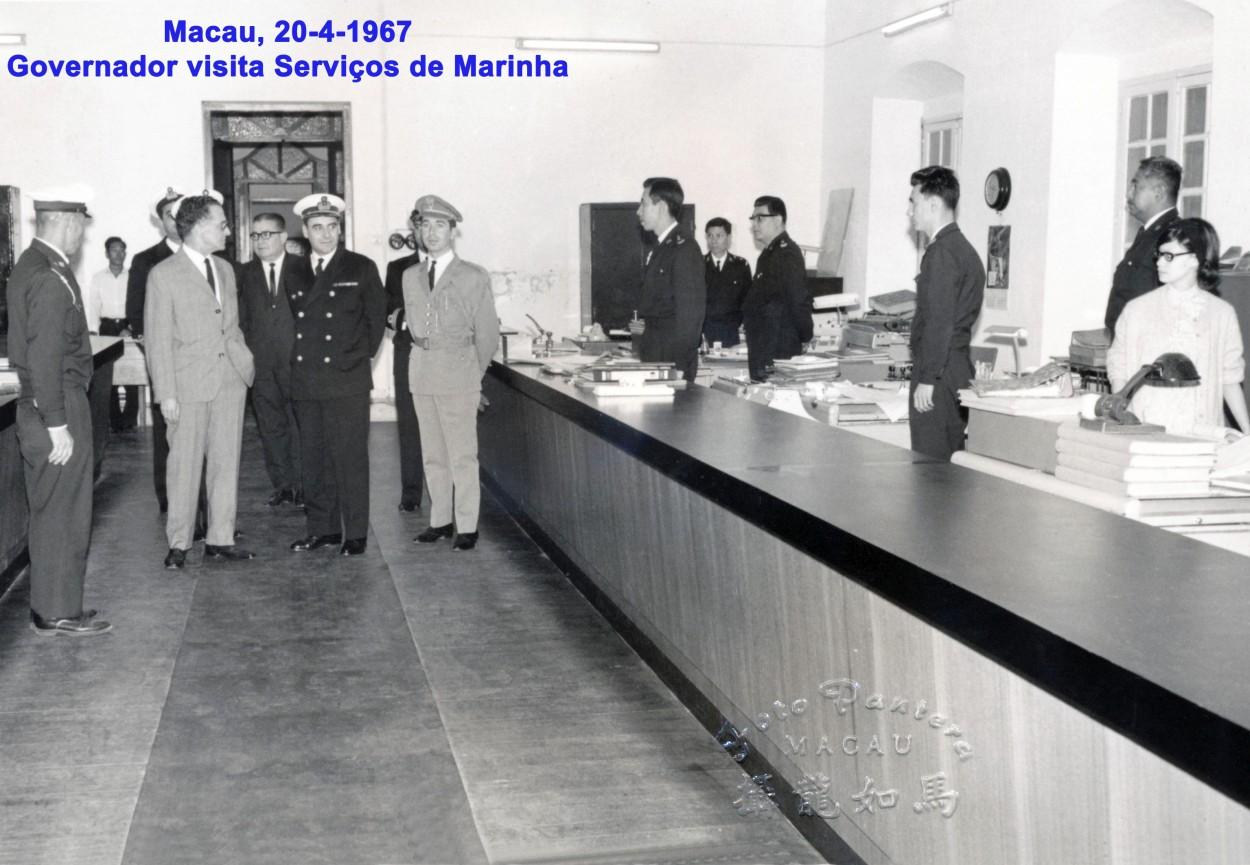 047 67-04-20 Governador em visita aos Seviços de Marinha