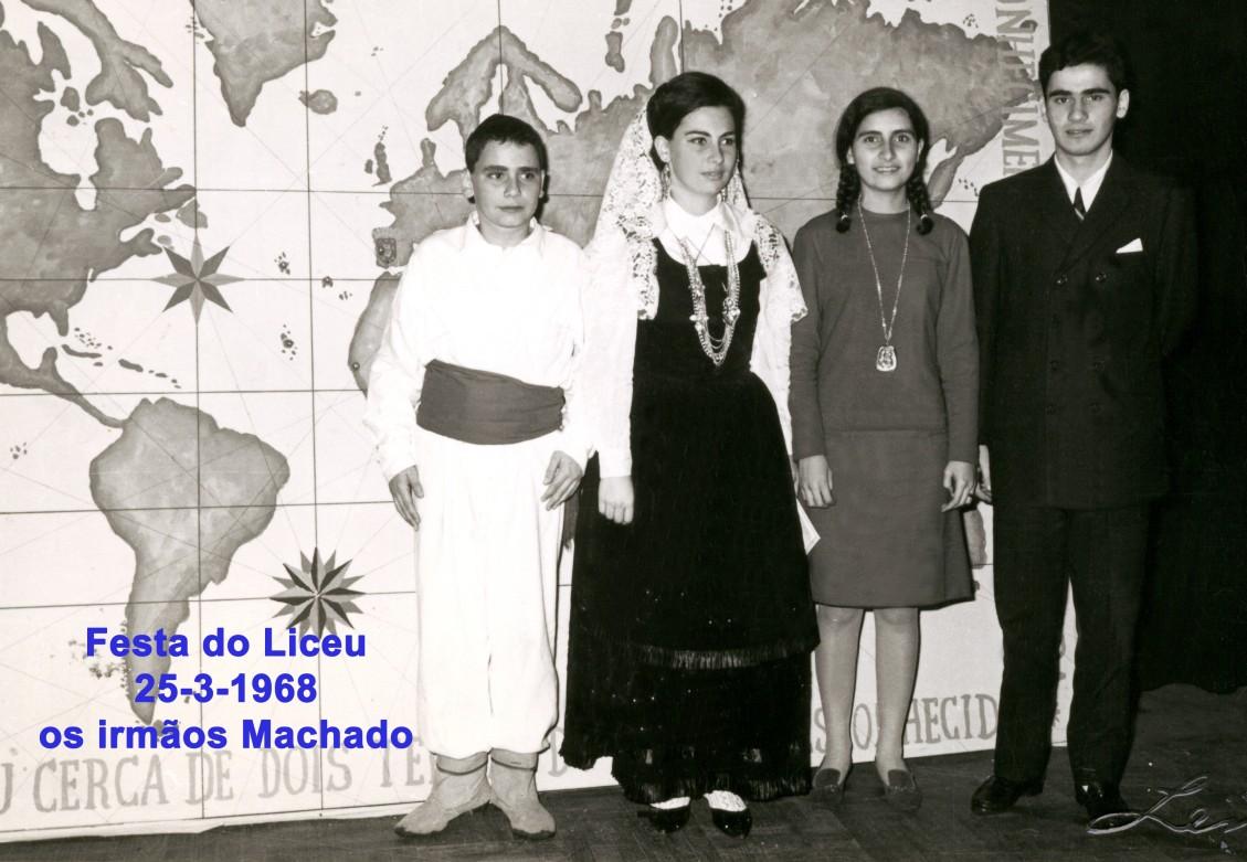 047 68-03-25 os irmãos Machado na festa do Liceu