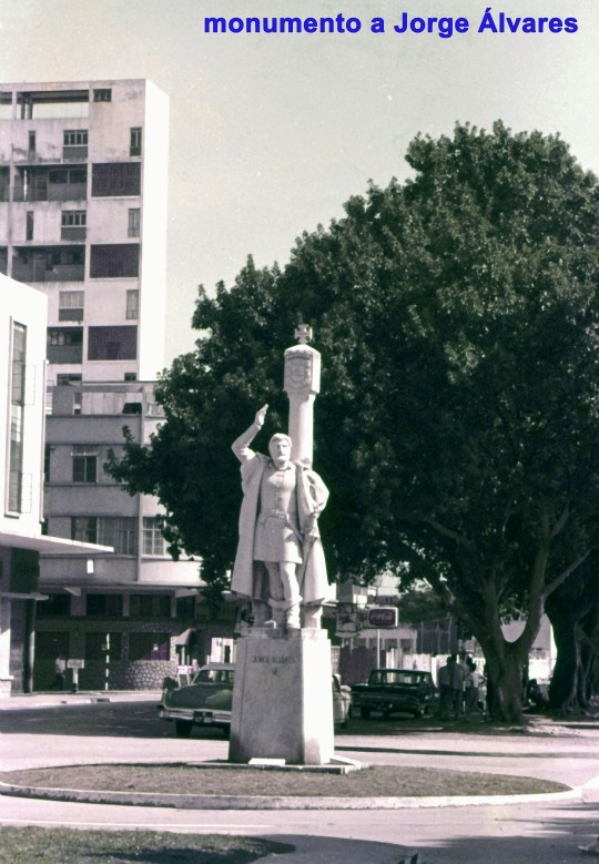 057 monumento a Jorge Álvares