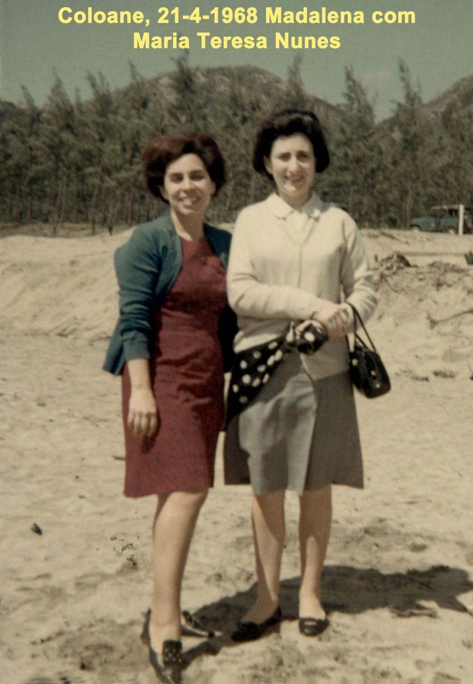 058 68-04-21 Madalena e M. Teresa Nunes em Coloane