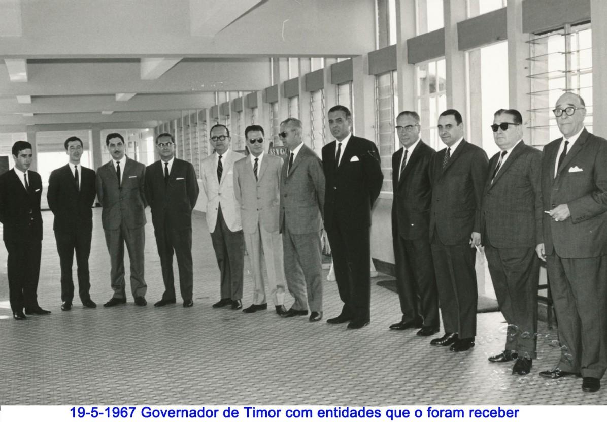 059 67-05-19 Governador de Timor com entidades que o receberam