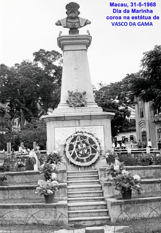 062 68-05-31 Dia da Marinha coroa na estátua de Vasco da Gama
