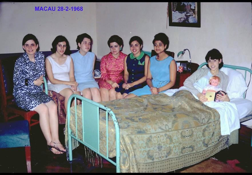 073 68-07-11 Macau anos Luisa. Helena doente com gripe