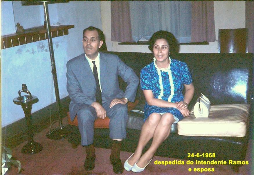111 68-06-24 Intendente Ramos e esposa despedem-se