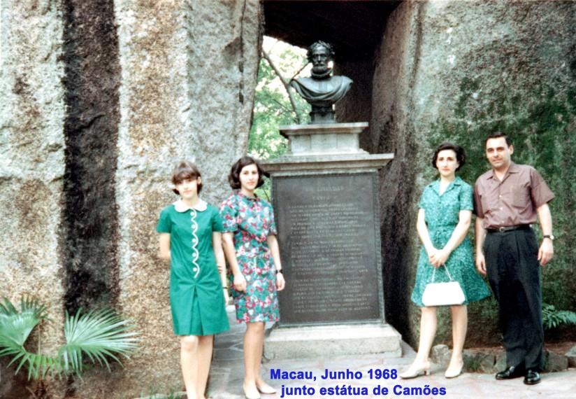 115 68-06 família junto estátua de Camões