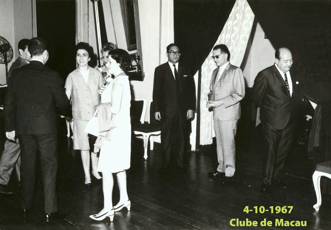 117 67-10-04 Lena no Clube de Macau