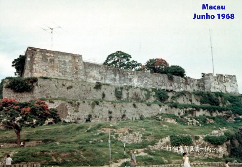 126 68-06 antenas na Fortaleza do Monte