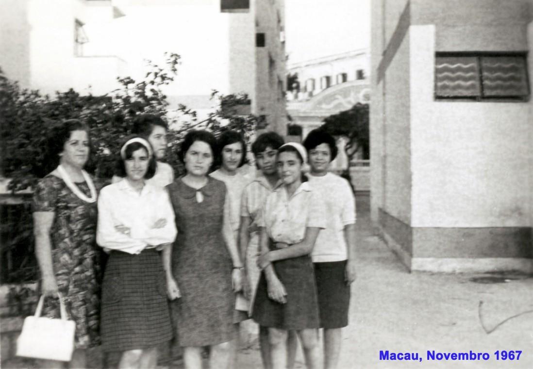 127 67-11 Leopoldina Ranhada e filhas com as nossas e as do cônsul