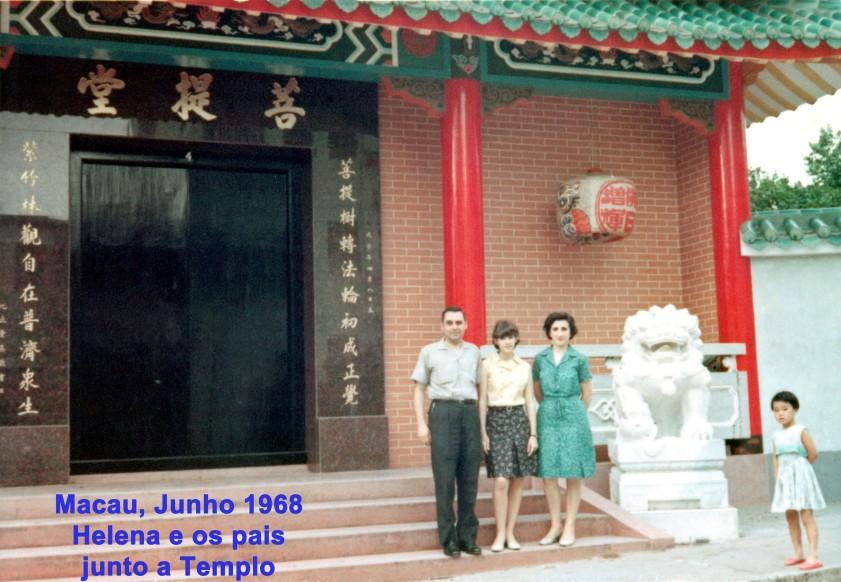 128 68-06 Helena e os pais junto a Templo
