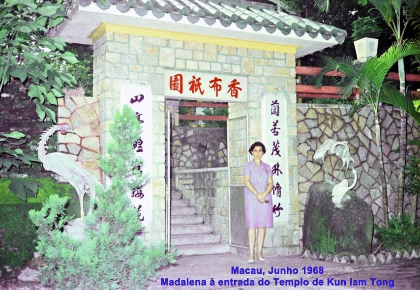 153 68-06 Madalena à entrada do templo Kun Iam Tong