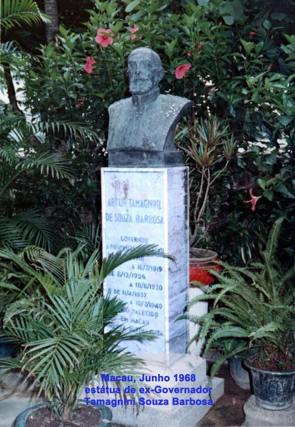 158 68-06 estátua de antigo Governador Dr Tamagnini Souza Barbosa