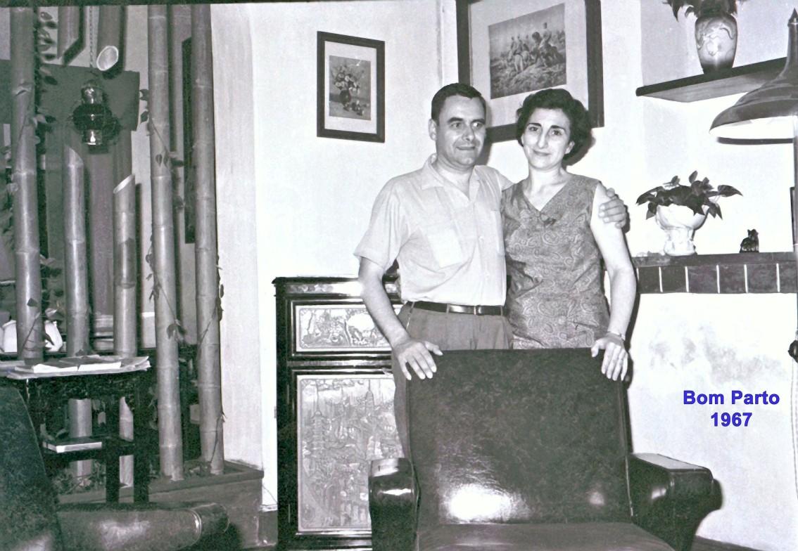 162 67 António e Madalena na sala do Bom Parto