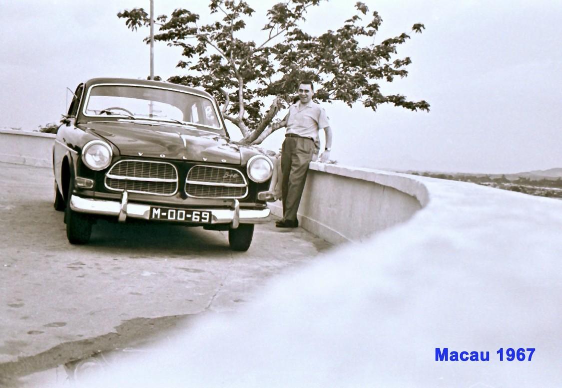 163 67 António junto ao carro