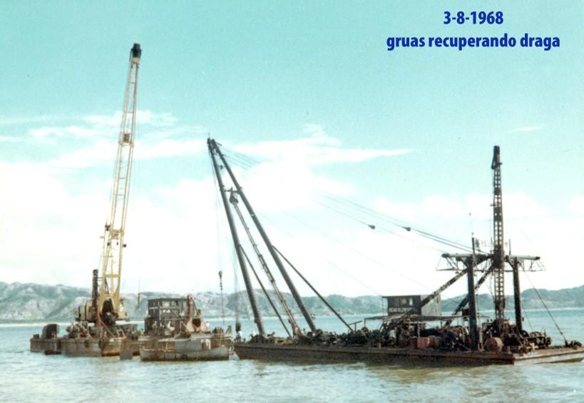 187 68-08-03 gruas recuperando draga