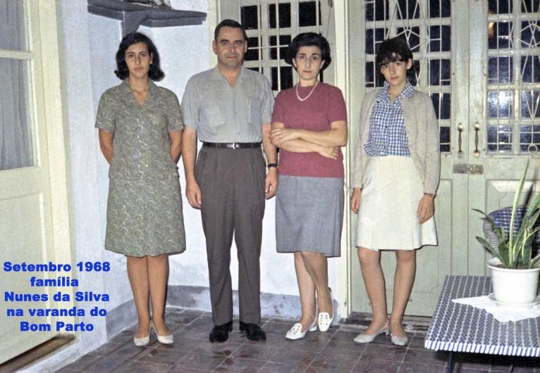 248 68-09 família N Silva na varanda do Bom Parto