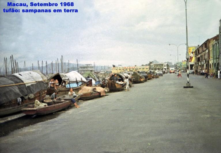 252 68-09 tufão - sampanas em terra