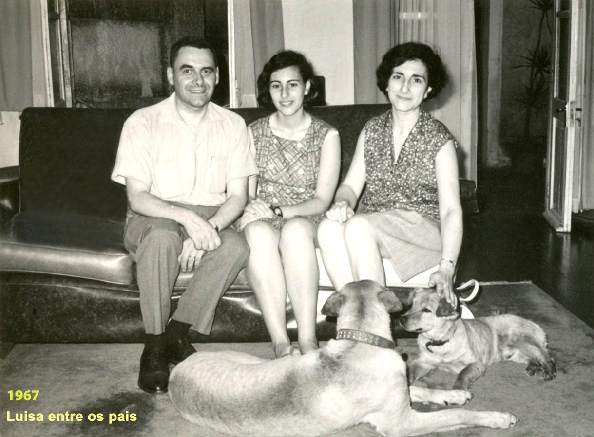 266 67 Luisa com os pais e cães