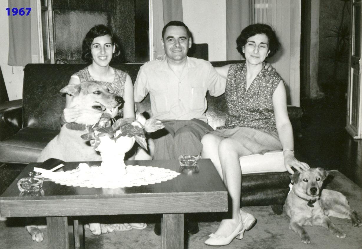 270 67 Luisa com pais e cães
