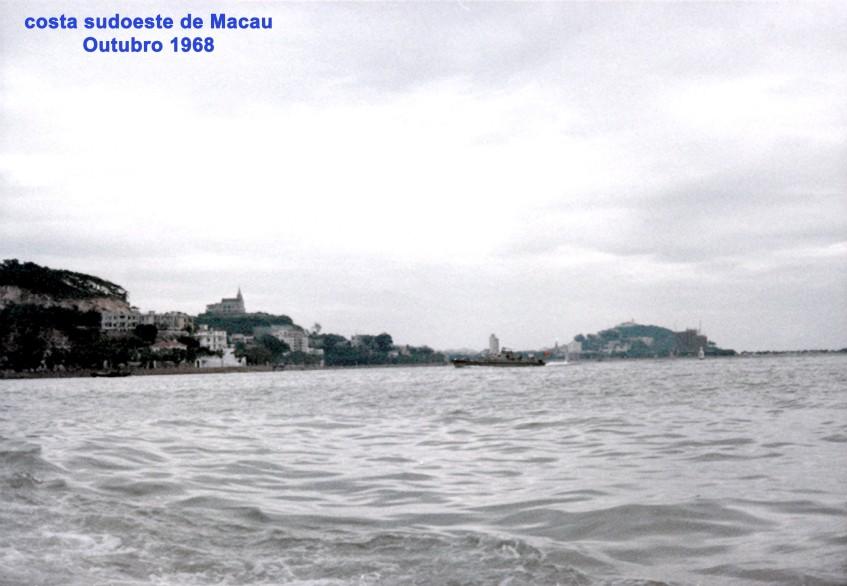 323 68-10 costa sudoeste de Macau vista do rio