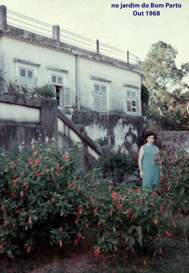 324 68-10 Lena no jardim do Bom Parto