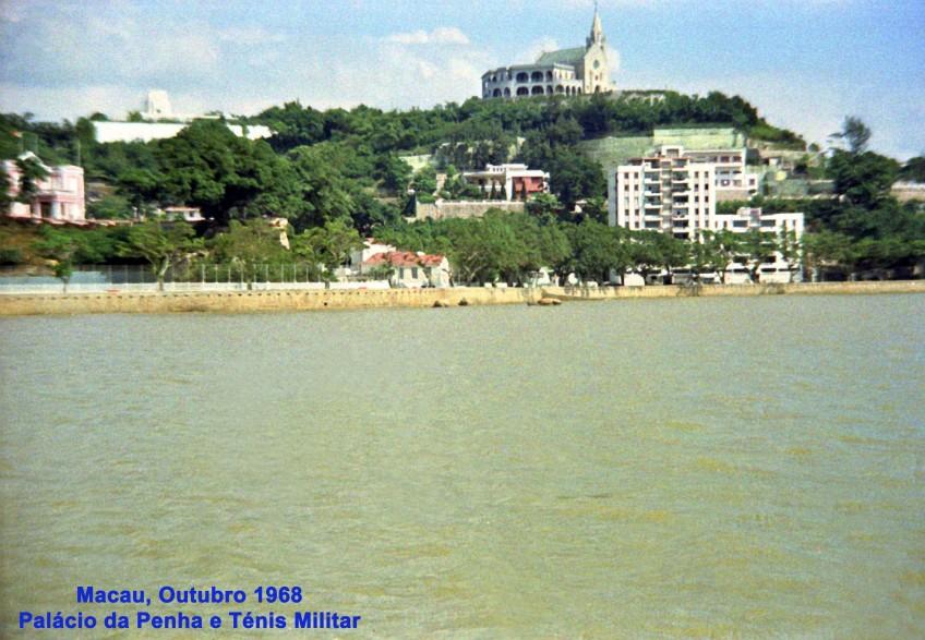 326 68-10 Palácio da Penha e ténis Militar vistos do rio